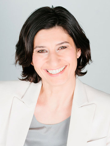 Portrait von Dana Arzani
